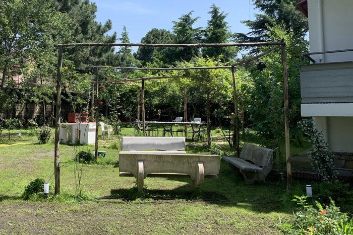 img-beb-pompei-amalfi-garden-31